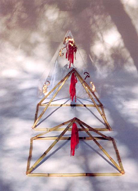 Instalación poética Habitáculos de Bartolomé Ferrrando, 1997
